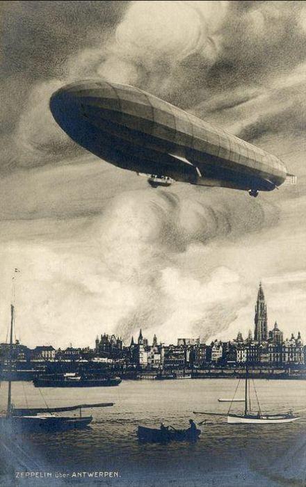 Zeppelin_Antwerpen_1914