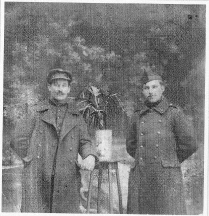 Cyriel Van Pevenaege (links op de foto)