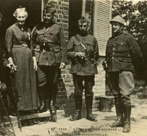 Maman Tack en haar soldaten
