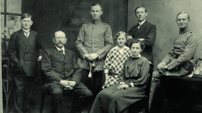 Fritz Rümmelein bij zijn familie tijdens zijn verlof