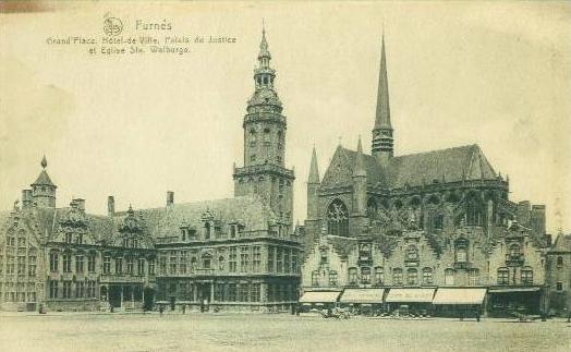 Veurne_GroteMarkt_SintWalburga