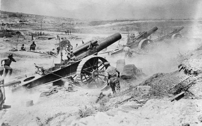 brit-artillery-attack