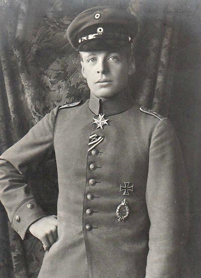 Oswald_Boelcke_(ca._1916).jpg