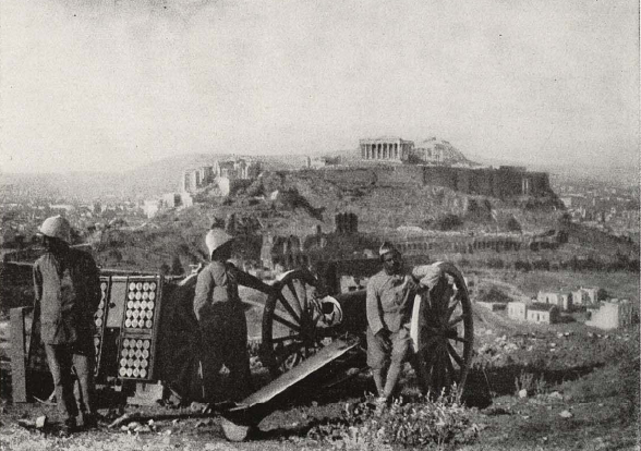 French_troops_in_Athens,_1916.png