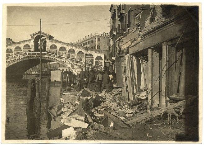 Venezia-Veduta-della-Birreria-Spiess-distrutta-26-27-febbraio-1918