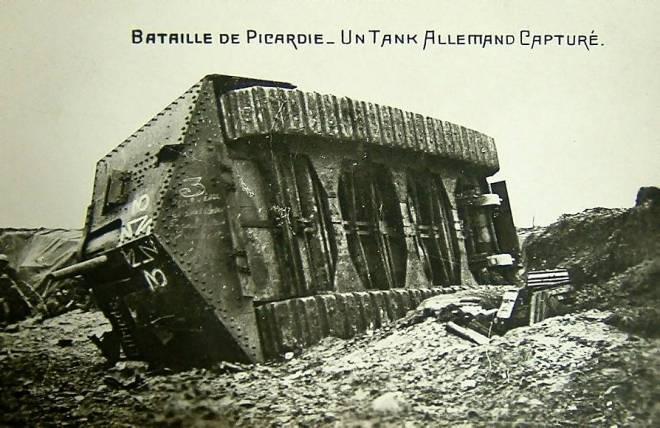 A7V_Tank_Villers-Bretonneux_1918