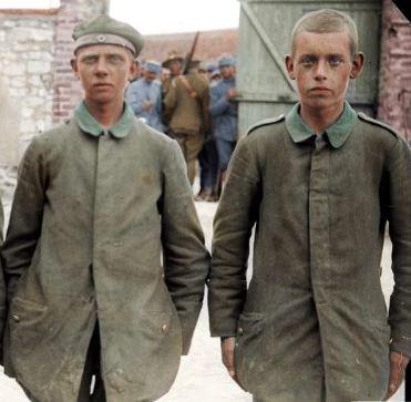 JongeDuitseKrijgsgevangenen_191807