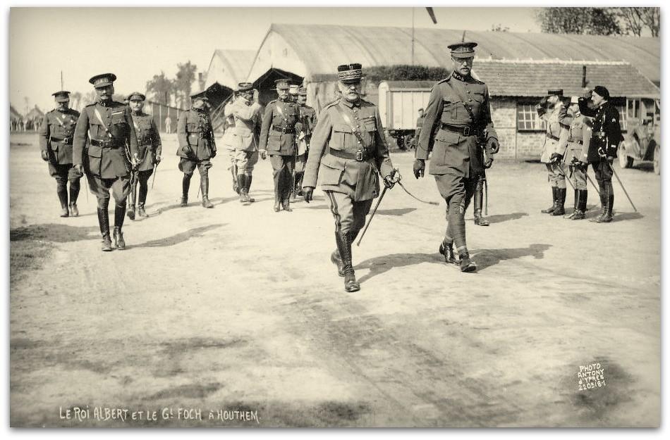 """HOUTEM        """" Le Roi Albert et le general Foch à Houthem """""""