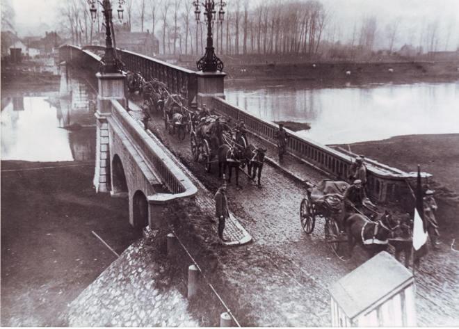 Maaseik_Maasbrug_191811